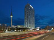 Park Inn by Radisson Berlin Alexanderplatz, 4*