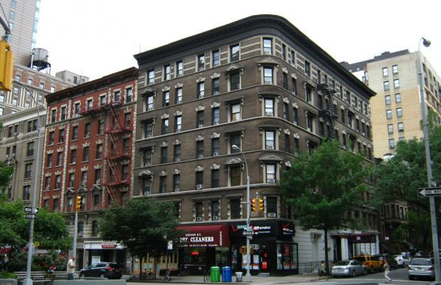 фото отеля Broadway Hotel & Hostel изображение №1