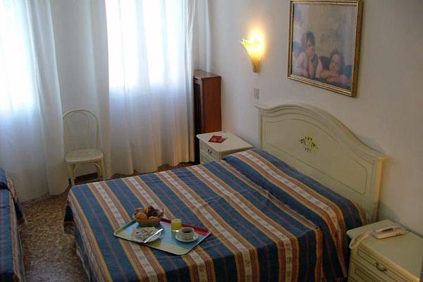 фото отеля Hotel Airone изображение №17