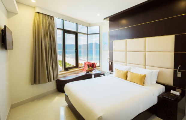 фотографии Holiday Beach Da Nang Hotel and Spa изображение №32