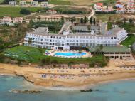 Corallia Beach Hotel Apartments, 3*