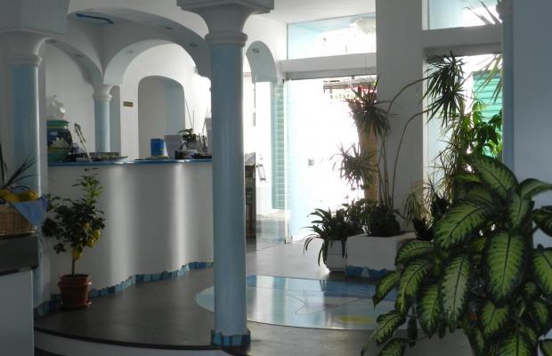 фотографии отеля Holiday Hotel изображение №11