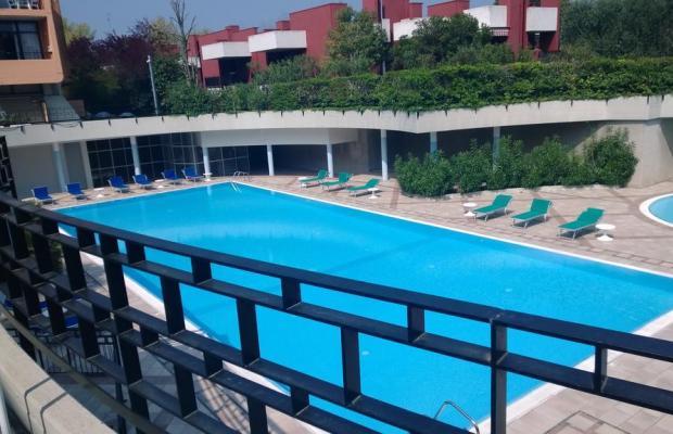 фото отеля Holiday изображение №9