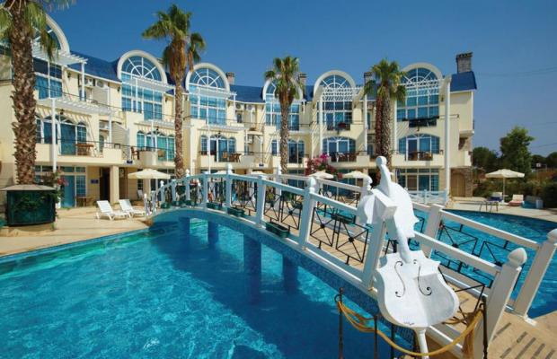 фото отеля Seahorse Deluxe Hotel изображение №1