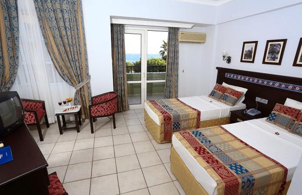 фото Blue Sky Hotel & Suites изображение №2