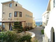 Niros Beach Apartments, 3*