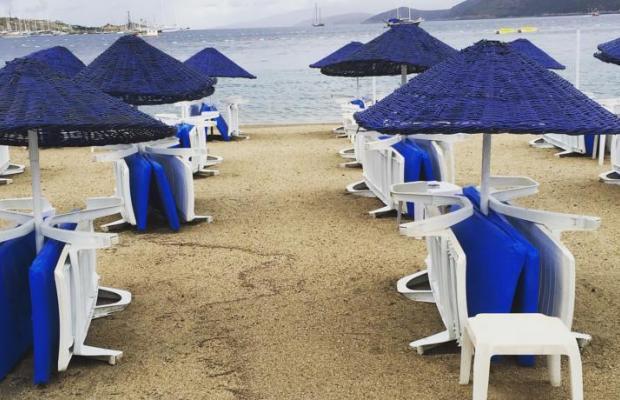 фото Nagi Beach изображение №2