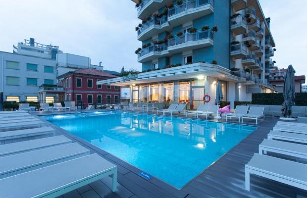 фото Hotel Adlon изображение №10