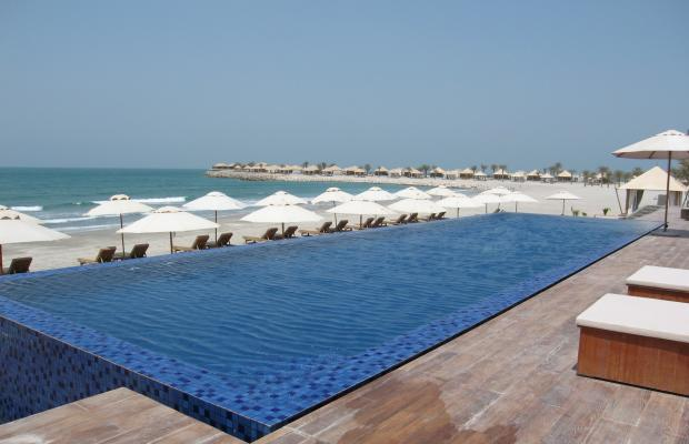 фото отеля The Ritz-Carlton, Ras Al Khaimah, Al Hamra Beach (ex. Banyan Tree Ras Al Khaimah Beach) изображение №1