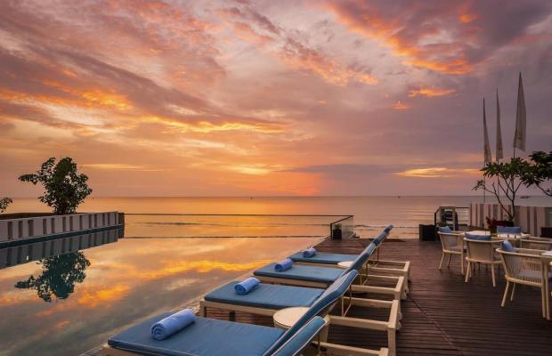 фото отеля The Rock Beach Resort and Spa изображение №9