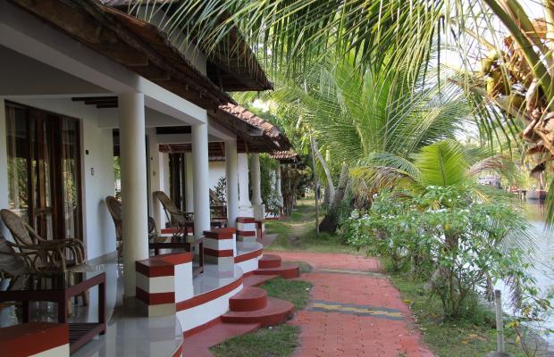 фото отеля Coir Village Lake Resort изображение №1