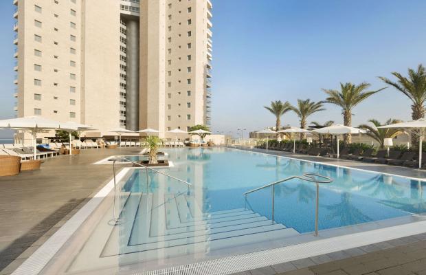 фото отеля Ramada Hotel & Suites изображение №1