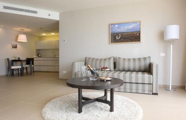 фото отеля Ramada Hotel & Suites изображение №25