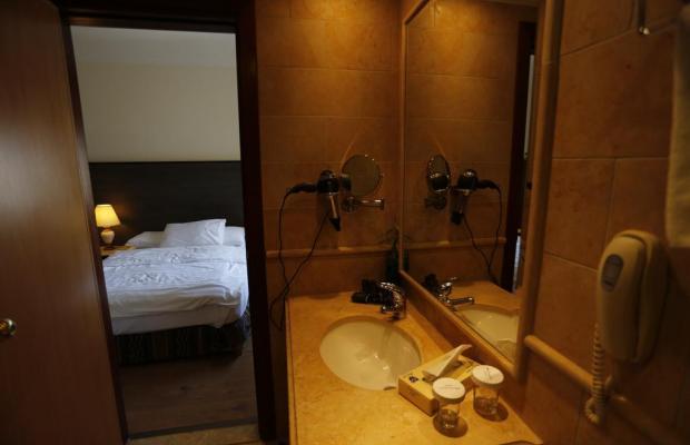 фотографии отеля Ambassador Hotel изображение №15