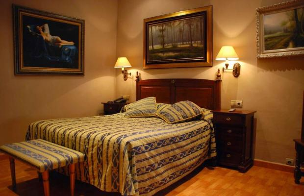 фотографии отеля Hostal Gran Duque изображение №7