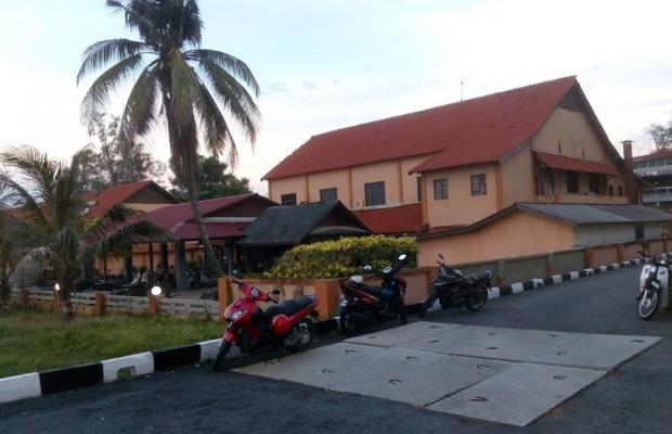 фотографии отеля Batu Burok Beach Resort изображение №15