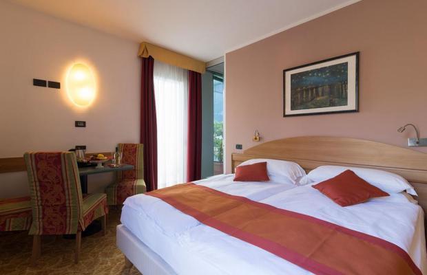 фото отеля Ambassador Suite изображение №13